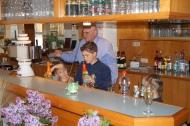 Selbstbedienung an der Bar